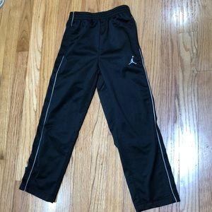 Like New Jordan Athletic Pants Size 5-6(boy)